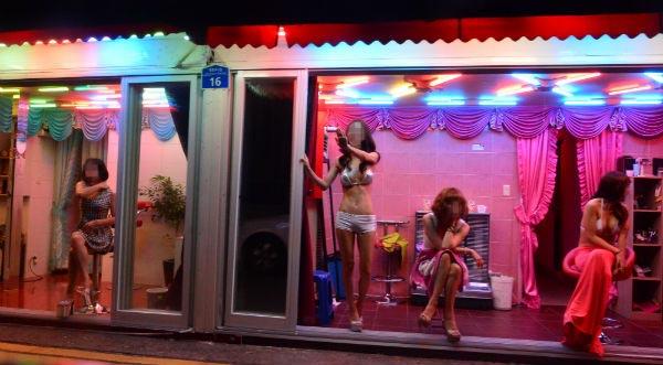 韓国 風俗代表 置屋 清凉里588通りの雰囲気